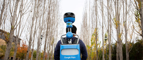 Des employés Google Maps en sacs à dos équipés de caméras à 360 degrés